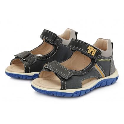 Sandals 25-30.