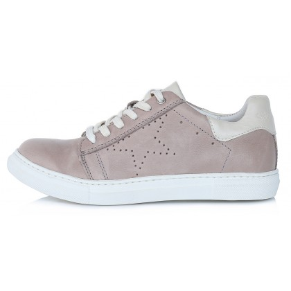 Shoes 37-40. 052-4A